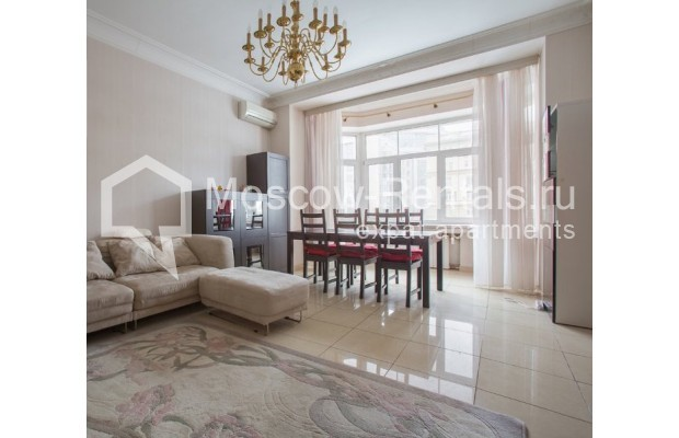"""Photo #3 4-room (3 BR) apartment for <a href=""""http://moscow-rentals.ru/en/articles/long-term-rent"""" target=""""_blank"""">a long-term</a> rent  in Russia, Moscow, New Arbat str, 23"""