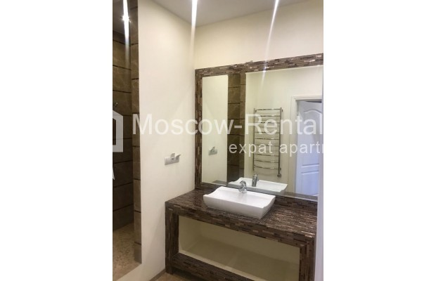 """Photo #21 4-room (3 BR) apartment for <a href=""""http://moscow-rentals.ru/en/articles/long-term-rent"""" target=""""_blank"""">a long-term</a> rent  in Russia, Moscow, Sosnovaya alleya, 1"""