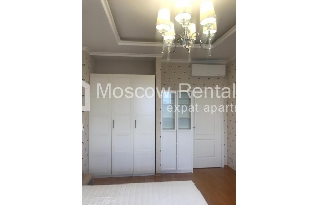 """Photo #7 4-room (3 BR) apartment for <a href=""""http://moscow-rentals.ru/en/articles/long-term-rent"""" target=""""_blank"""">a long-term</a> rent  in Russia, Moscow, Sosnovaya alleya, 1"""