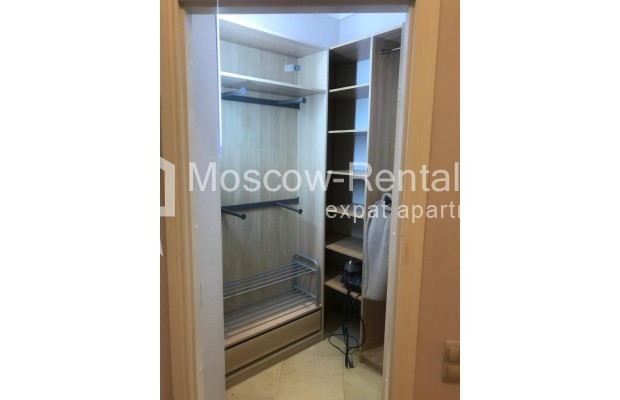 """Photo #18 4-room (3 BR) apartment for <a href=""""http://moscow-rentals.ru/en/articles/long-term-rent"""" target=""""_blank"""">a long-term</a> rent  in Russia, Moscow, Sosnovaya alleya, 1"""