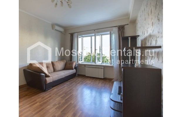 """Photo #1 2-room (1 BR) apartment for <a href=""""http://moscow-rentals.ru/en/articles/long-term-rent"""" target=""""_blank"""">a long-term</a> rent  in Russia, Moscow, Voznesensyi lane, 16/4"""
