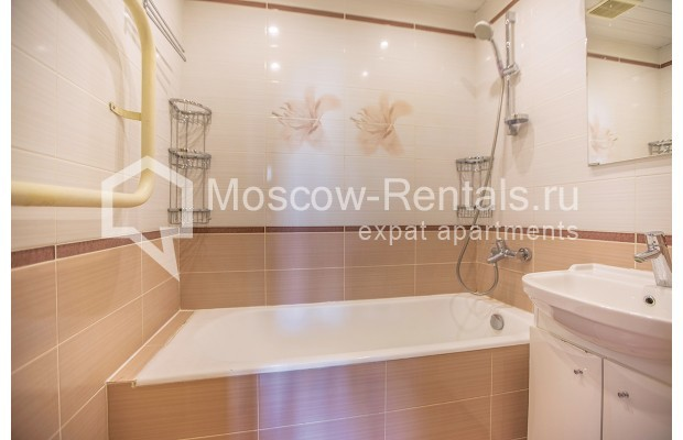"""Photo #10 2-room (1 BR) apartment for <a href=""""http://moscow-rentals.ru/en/articles/long-term-rent"""" target=""""_blank"""">a long-term</a> rent  in Russia, Moscow, Voznesensyi lane, 16/4"""