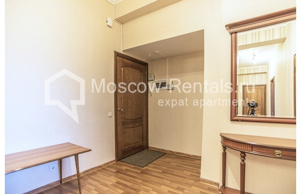 """Photo #9 2-room (1 BR) apartment for <a href=""""http://moscow-rentals.ru/en/articles/long-term-rent"""" target=""""_blank"""">a long-term</a> rent  in Russia, Moscow, Voznesensyi lane, 16/4"""