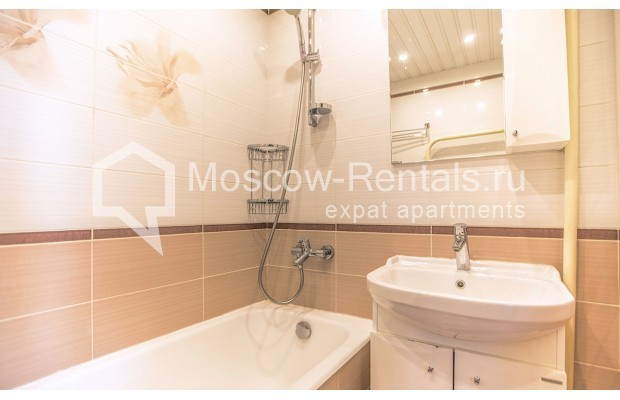 """Photo #11 2-room (1 BR) apartment for <a href=""""http://moscow-rentals.ru/en/articles/long-term-rent"""" target=""""_blank"""">a long-term</a> rent  in Russia, Moscow, Voznesensyi lane, 16/4"""