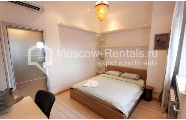 "Photo #4 2-room (1 BR) apartment for <a href=""http://moscow-rentals.ru/en/articles/long-term-rent"" target=""_blank"">a long-term</a> rent  in Russia, Moscow, Tverskaya str, 4"
