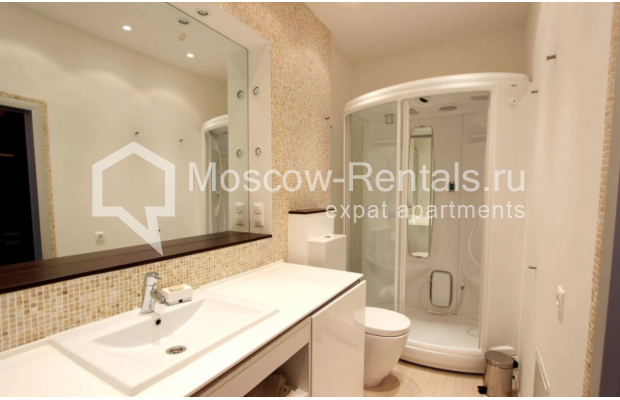 "Photo #5 2-room (1 BR) apartment for <a href=""http://moscow-rentals.ru/en/articles/long-term-rent"" target=""_blank"">a long-term</a> rent  in Russia, Moscow, Tverskaya str, 4"