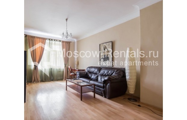 "Photo #2 2-room (1 BR) apartment for <a href=""http://moscow-rentals.ru/en/articles/long-term-rent"" target=""_blank"">a long-term</a> rent  in Russia, Moscow, Trekhprudnyi lane, 6"