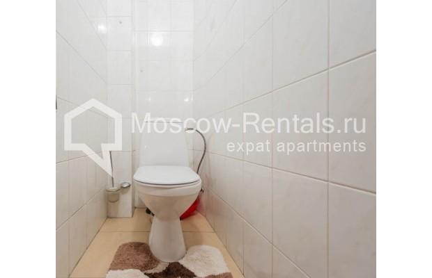 "Photo #10 2-room (1 BR) apartment for <a href=""http://moscow-rentals.ru/en/articles/long-term-rent"" target=""_blank"">a long-term</a> rent  in Russia, Moscow, Trekhprudnyi lane, 6"