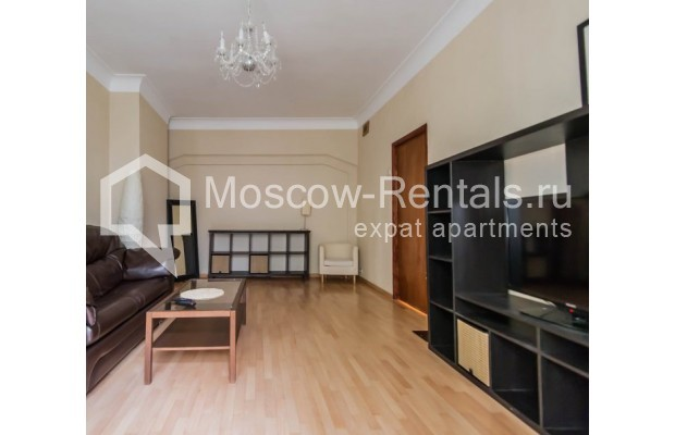 "Photo #3 2-room (1 BR) apartment for <a href=""http://moscow-rentals.ru/en/articles/long-term-rent"" target=""_blank"">a long-term</a> rent  in Russia, Moscow, Trekhprudnyi lane, 6"