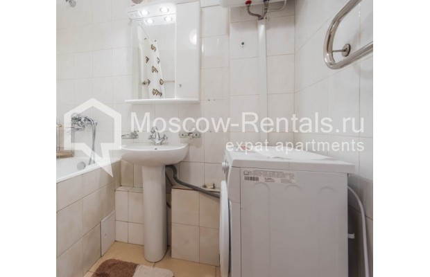 "Photo #9 2-room (1 BR) apartment for <a href=""http://moscow-rentals.ru/en/articles/long-term-rent"" target=""_blank"">a long-term</a> rent  in Russia, Moscow, Trekhprudnyi lane, 6"