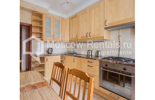 "Photo #5 2-room (1 BR) apartment for <a href=""http://moscow-rentals.ru/en/articles/long-term-rent"" target=""_blank"">a long-term</a> rent  in Russia, Moscow, Trekhprudnyi lane, 6"