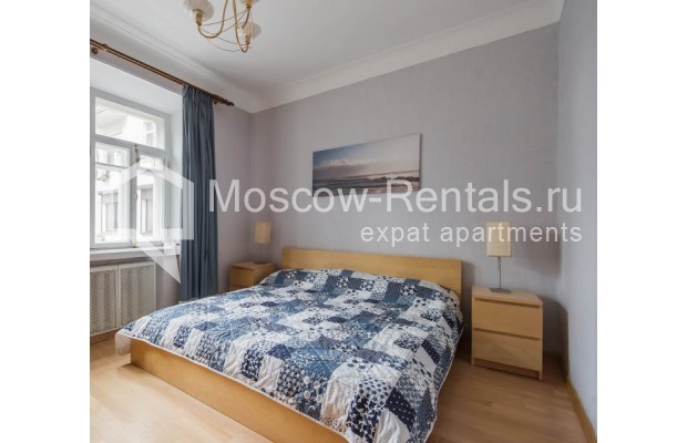 "Photo #6 2-room (1 BR) apartment for <a href=""http://moscow-rentals.ru/en/articles/long-term-rent"" target=""_blank"">a long-term</a> rent  in Russia, Moscow, Trekhprudnyi lane, 6"