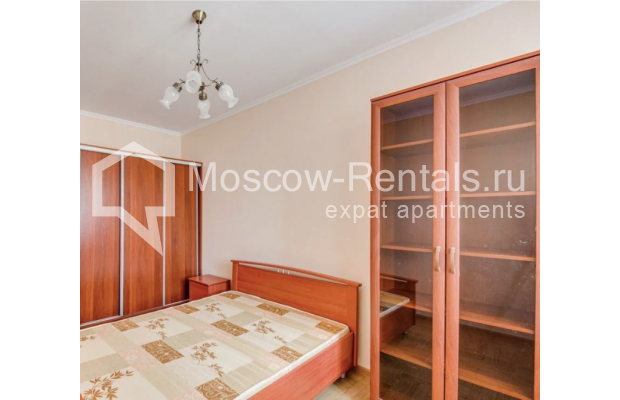 "Photo #6 3-room (2 BR) apartment for <a href=""http://moscow-rentals.ru/en/articles/long-term-rent"" target=""_blank"">a long-term</a> rent  in Russia, Moscow, Dolgorukovskaya str, 40"