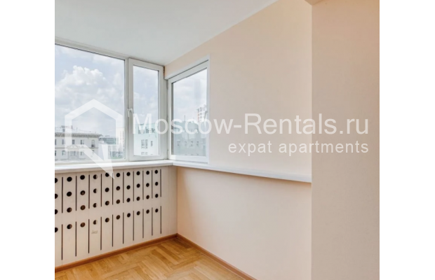"Photo #7 3-room (2 BR) apartment for <a href=""http://moscow-rentals.ru/en/articles/long-term-rent"" target=""_blank"">a long-term</a> rent  in Russia, Moscow, Dolgorukovskaya str, 40"