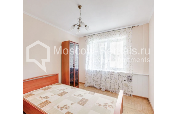 "Photo #8 3-room (2 BR) apartment for <a href=""http://moscow-rentals.ru/en/articles/long-term-rent"" target=""_blank"">a long-term</a> rent  in Russia, Moscow, Dolgorukovskaya str, 40"