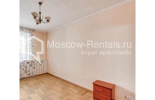 "Photo #9 3-room (2 BR) apartment for <a href=""http://moscow-rentals.ru/en/articles/long-term-rent"" target=""_blank"">a long-term</a> rent  in Russia, Moscow, Dolgorukovskaya str, 40"