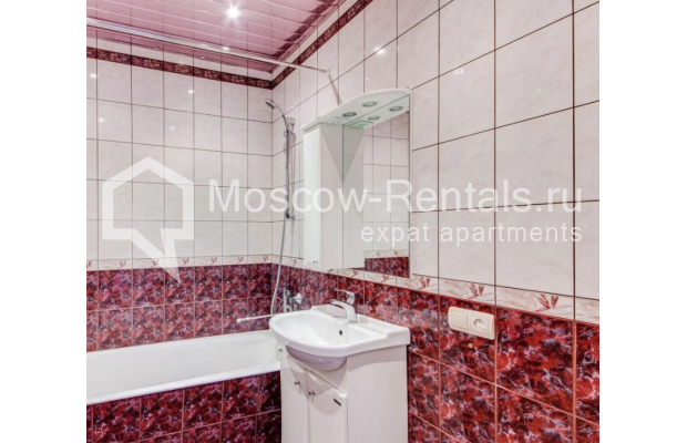 "Photo #11 3-room (2 BR) apartment for <a href=""http://moscow-rentals.ru/en/articles/long-term-rent"" target=""_blank"">a long-term</a> rent  in Russia, Moscow, Dolgorukovskaya str, 40"