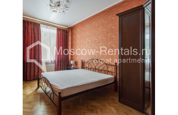 """Photo #5 3-room (2 BR) apartment for <a href=""""http://moscow-rentals.ru/en/articles/long-term-rent"""" target=""""_blank"""">a long-term</a> rent  in Russia, Moscow, Malaya Bronnaya str, 13"""