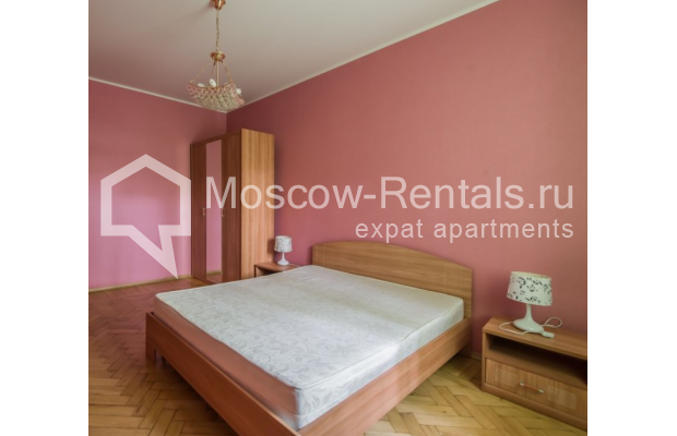 """Photo #6 3-room (2 BR) apartment for <a href=""""http://moscow-rentals.ru/en/articles/long-term-rent"""" target=""""_blank"""">a long-term</a> rent  in Russia, Moscow, Malaya Bronnaya str, 13"""