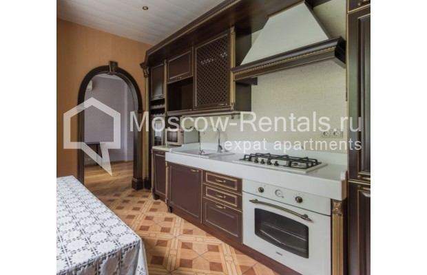 """Photo #4 3-room (2 BR) apartment for <a href=""""http://moscow-rentals.ru/en/articles/long-term-rent"""" target=""""_blank"""">a long-term</a> rent  in Russia, Moscow, Malaya Bronnaya str, 13"""