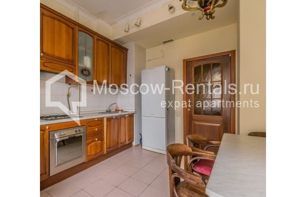 """Photo #7 3-room (2 BR) apartment for <a href=""""http://moscow-rentals.ru/en/articles/long-term-rent"""" target=""""_blank"""">a long-term</a> rent  in Russia, Moscow, Blagoveshenskyi lane, 5"""