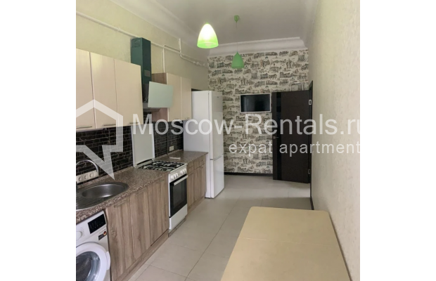 "Photo #2 3-room (2 BR) apartment for <a href=""http://moscow-rentals.ru/en/articles/long-term-rent"" target=""_blank"">a long-term</a> rent  in Russia, Moscow, Bolshaya Bronnaya str, 27/4"