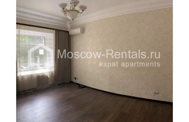 "Photo #3 3-room (2 BR) apartment for <a href=""http://moscow-rentals.ru/en/articles/long-term-rent"" target=""_blank"">a long-term</a> rent  in Russia, Moscow, Bolshaya Bronnaya str, 27/4"