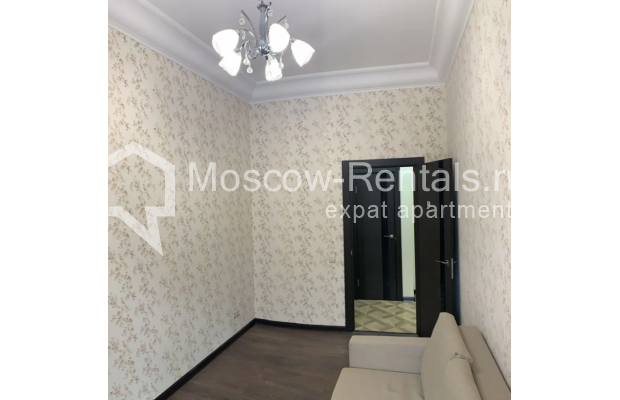 "Photo #6 3-room (2 BR) apartment for <a href=""http://moscow-rentals.ru/en/articles/long-term-rent"" target=""_blank"">a long-term</a> rent  in Russia, Moscow, Bolshaya Bronnaya str, 27/4"