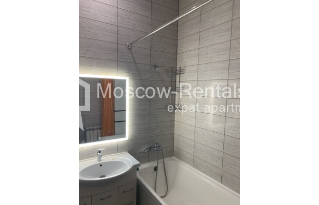 "Photo #10 3-room (2 BR) apartment for <a href=""http://moscow-rentals.ru/en/articles/long-term-rent"" target=""_blank"">a long-term</a> rent  in Russia, Moscow, Bolshaya Bronnaya str, 27/4"