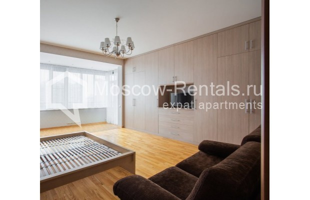 """Photo #10 5-room (4 BR) apartment for <a href=""""http://moscow-rentals.ru/en/articles/long-term-rent"""" target=""""_blank"""">a long-term</a> rent  in Russia, Moscow, Leninskyi prosp, 114"""