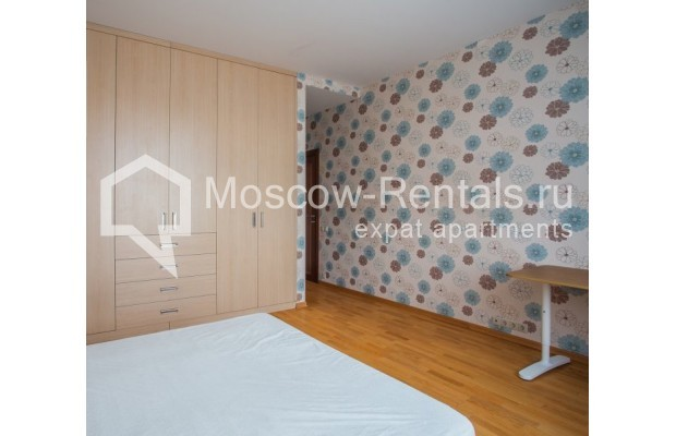 """Photo #12 5-room (4 BR) apartment for <a href=""""http://moscow-rentals.ru/en/articles/long-term-rent"""" target=""""_blank"""">a long-term</a> rent  in Russia, Moscow, Leninskyi prosp, 114"""