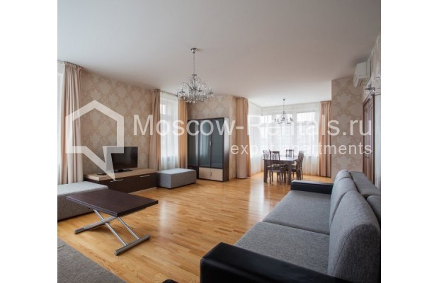 """Photo #1 5-room (4 BR) apartment for <a href=""""http://moscow-rentals.ru/en/articles/long-term-rent"""" target=""""_blank"""">a long-term</a> rent  in Russia, Moscow, Leninskyi prosp, 114"""