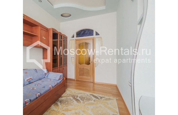 "Photo #6 3-room (2 BR) apartment for <a href=""http://moscow-rentals.ru/en/articles/long-term-rent"" target=""_blank"">a long-term</a> rent  in Russia, Moscow, 4th Tverskaya-Yamskaya str, 8/9"