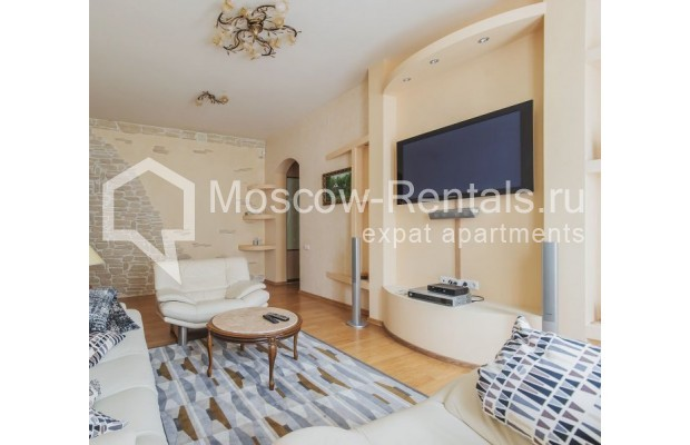 "Photo #2 3-room (2 BR) apartment for <a href=""http://moscow-rentals.ru/en/articles/long-term-rent"" target=""_blank"">a long-term</a> rent  in Russia, Moscow, 4th Tverskaya-Yamskaya str, 8/9"
