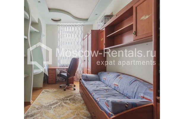 "Photo #5 3-room (2 BR) apartment for <a href=""http://moscow-rentals.ru/en/articles/long-term-rent"" target=""_blank"">a long-term</a> rent  in Russia, Moscow, 4th Tverskaya-Yamskaya str, 8/9"