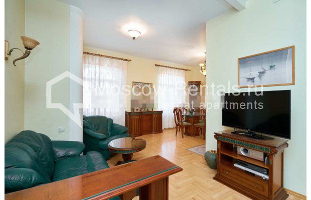 "Photo #4 3-room (2 BR) apartment for <a href=""http://moscow-rentals.ru/en/articles/long-term-rent"" target=""_blank"">a long-term</a> rent  in Russia, Moscow, Tverskaya str, 27С2"