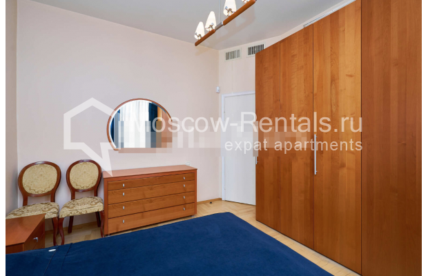 "Photo #10 3-room (2 BR) apartment for <a href=""http://moscow-rentals.ru/en/articles/long-term-rent"" target=""_blank"">a long-term</a> rent  in Russia, Moscow, Tverskaya str, 27С2"
