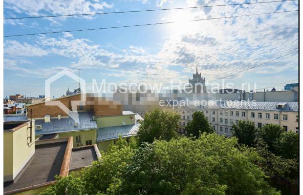 "Photo #11 3-room (2 BR) apartment for <a href=""http://moscow-rentals.ru/en/articles/long-term-rent"" target=""_blank"">a long-term</a> rent  in Russia, Moscow, Tverskaya str, 27С2"