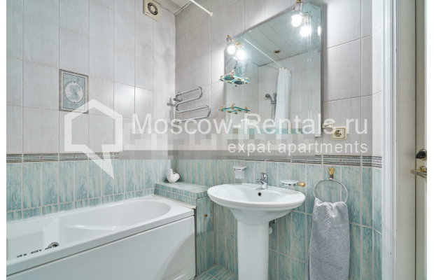 "Photo #12 3-room (2 BR) apartment for <a href=""http://moscow-rentals.ru/en/articles/long-term-rent"" target=""_blank"">a long-term</a> rent  in Russia, Moscow, Tverskaya str, 27С2"