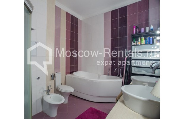 "Photo #9 3-room (2 BR) apartment for <a href=""http://moscow-rentals.ru/en/articles/long-term-rent"" target=""_blank"">a long-term</a> rent  in Russia, Moscow, Samotechnaya str, 5"
