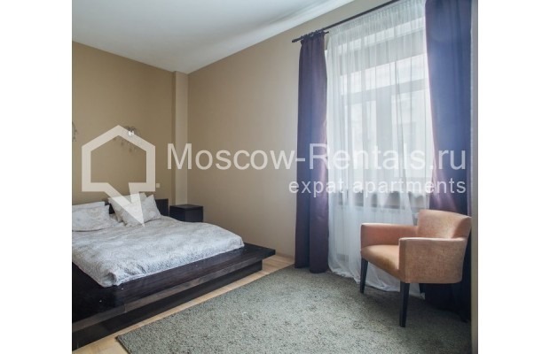 "Photo #5 3-room (2 BR) apartment for <a href=""http://moscow-rentals.ru/en/articles/long-term-rent"" target=""_blank"">a long-term</a> rent  in Russia, Moscow, Samotechnaya str, 5"