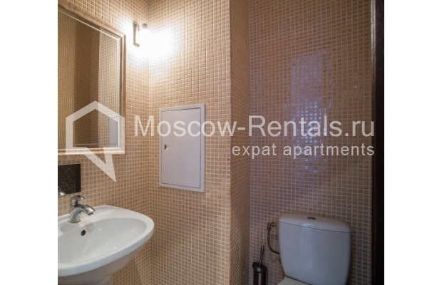 "Photo #10 3-room (2 BR) apartment for <a href=""http://moscow-rentals.ru/en/articles/long-term-rent"" target=""_blank"">a long-term</a> rent  in Russia, Moscow, Samotechnaya str, 5"
