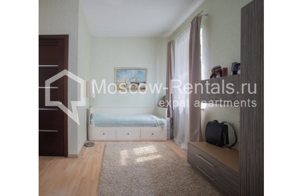 "Photo #7 3-room (2 BR) apartment for <a href=""http://moscow-rentals.ru/en/articles/long-term-rent"" target=""_blank"">a long-term</a> rent  in Russia, Moscow, Samotechnaya str, 5"