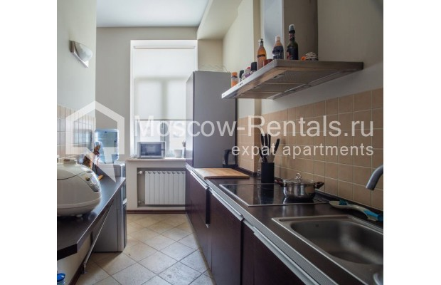 "Photo #3 3-room (2 BR) apartment for <a href=""http://moscow-rentals.ru/en/articles/long-term-rent"" target=""_blank"">a long-term</a> rent  in Russia, Moscow, Samotechnaya str, 5"