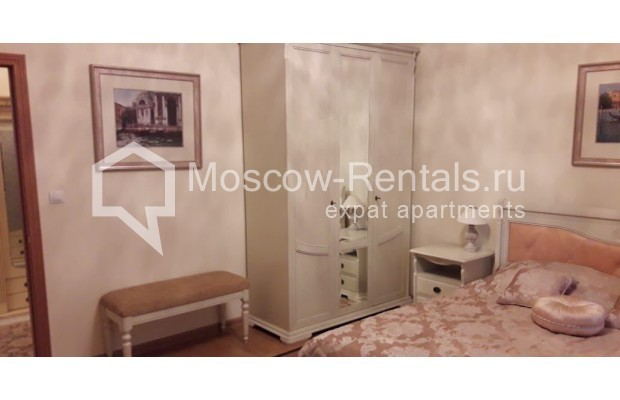 """Photo #6 3-room (2 BR) apartment for <a href=""""http://moscow-rentals.ru/en/articles/long-term-rent"""" target=""""_blank"""">a long-term</a> rent  in Russia, Moscow, Tverskaya str, 17"""