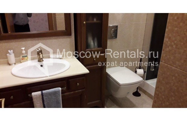 """Photo #7 3-room (2 BR) apartment for <a href=""""http://moscow-rentals.ru/en/articles/long-term-rent"""" target=""""_blank"""">a long-term</a> rent  in Russia, Moscow, Tverskaya str, 17"""