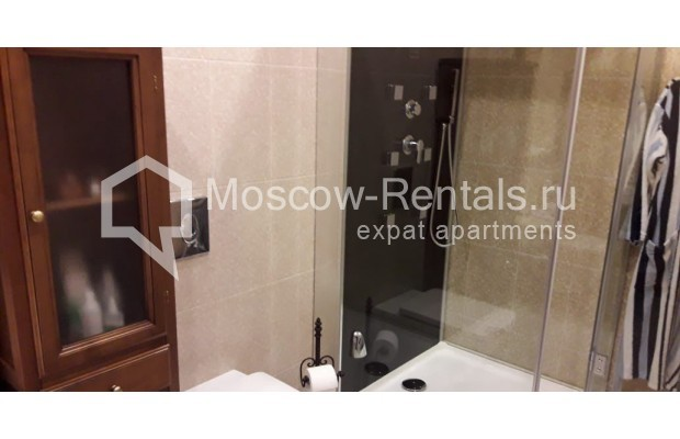 """Photo #8 3-room (2 BR) apartment for <a href=""""http://moscow-rentals.ru/en/articles/long-term-rent"""" target=""""_blank"""">a long-term</a> rent  in Russia, Moscow, Tverskaya str, 17"""