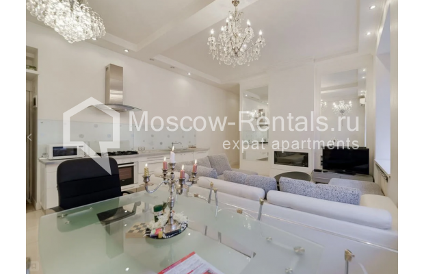 "Photo #3 3-room (2 BR) apartment for <a href=""http://moscow-rentals.ru/en/articles/long-term-rent"" target=""_blank"">a long-term</a> rent  in Russia, Moscow, Zvonarskyi lane, 1"