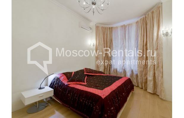 "Photo #4 3-room (2 BR) apartment for <a href=""http://moscow-rentals.ru/en/articles/long-term-rent"" target=""_blank"">a long-term</a> rent  in Russia, Moscow, Zvonarskyi lane, 1"