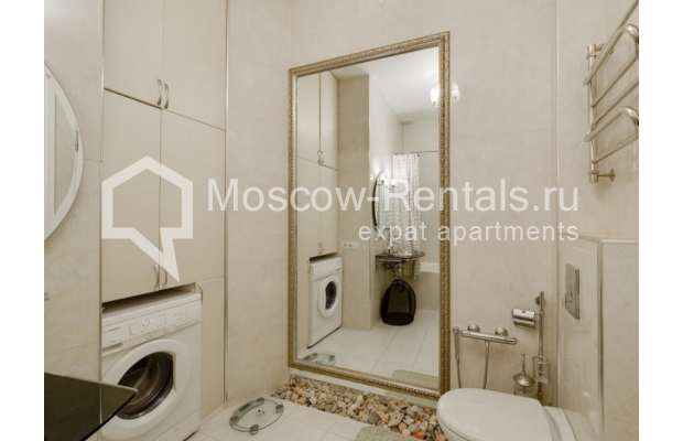 "Photo #9 3-room (2 BR) apartment for <a href=""http://moscow-rentals.ru/en/articles/long-term-rent"" target=""_blank"">a long-term</a> rent  in Russia, Moscow, Zvonarskyi lane, 1"